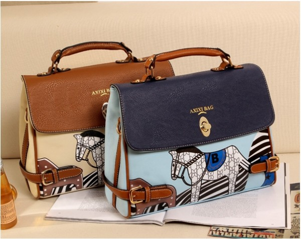 กระเป๋าลายม้าสุดเดิ้ล สินค้าจากร้าน Tomuya Shop